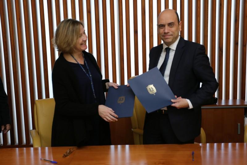 Alicante se convierte en la primera autenticiudad for Convenio oficinas y despachos alicante