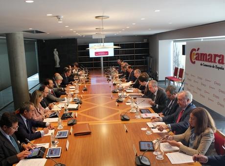 La Cámara de España apoya al Gobierno en su defensa de la Constitución y la legalidad