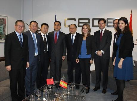 El viceministro de Comercio de China promociona la II Exposición Internacional de Importaciones del país asiático