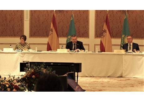 La Directora General de Cámara de España participa en un encuentro de trabajo con el Viceprimer Ministro de Kazajistán
