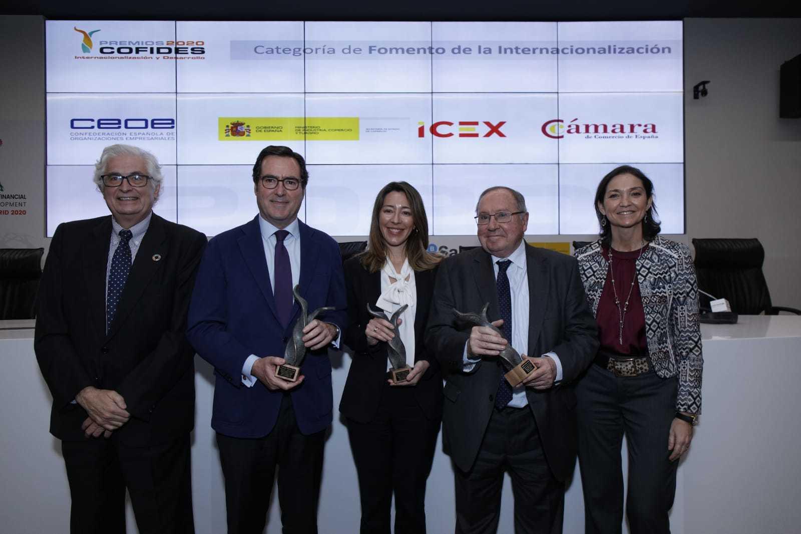 Camara de Espana premiada por Cofides junto a CEOE y la Secretaria Estado Comercio