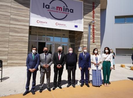 """José Luis Bonet inaugura el coworking digital """"La Mina"""" en Linares"""
