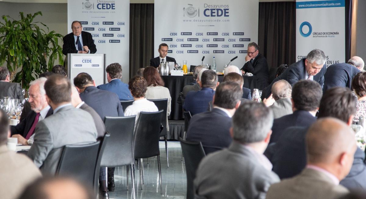 José Luis Bonet, presidente de la Cámara de España, en los desayunos CEDE de Alicante